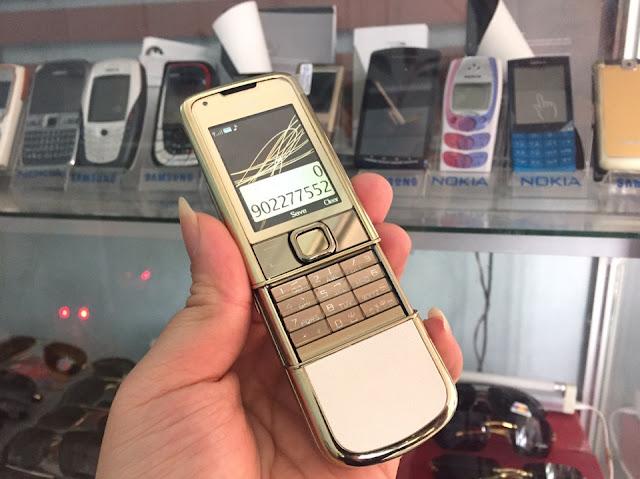 Địa chỉ chuyên bán Nokia 8800 Arte Classic Goldcó giá chỉ 2,9tr giao hàng miễn phí trên toàn quốc