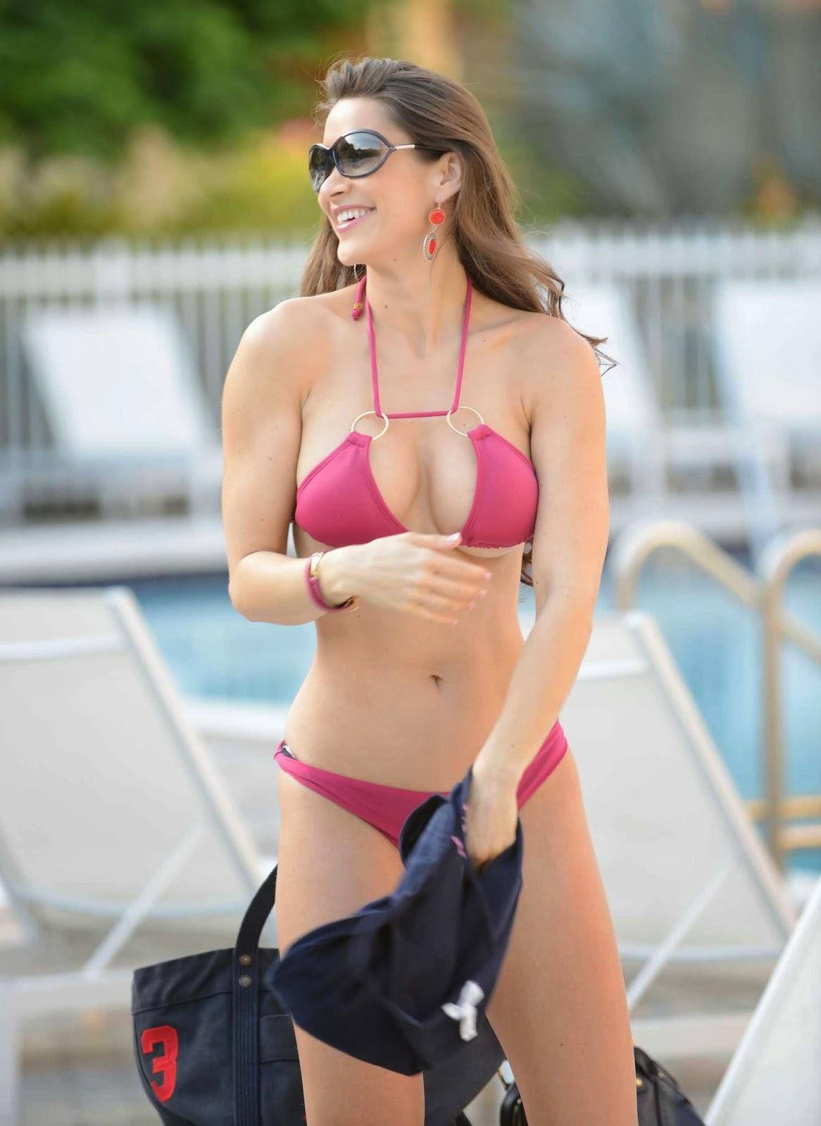 Anais Zanotti Hot celebrities in hot bikini: fitness model anais zanotti