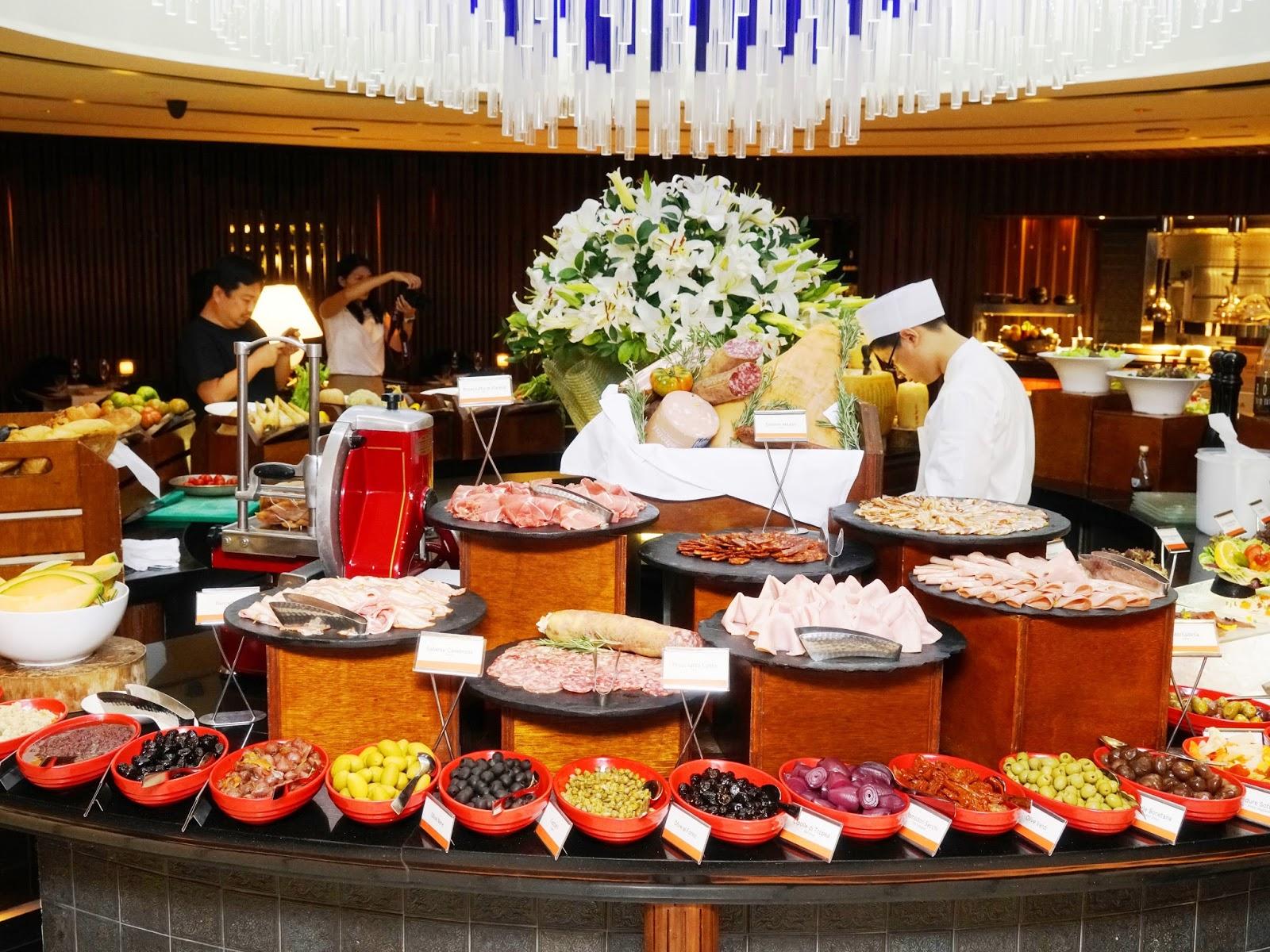 Pinkypiggu basilico regent singapore scrumptious for Italian buffet