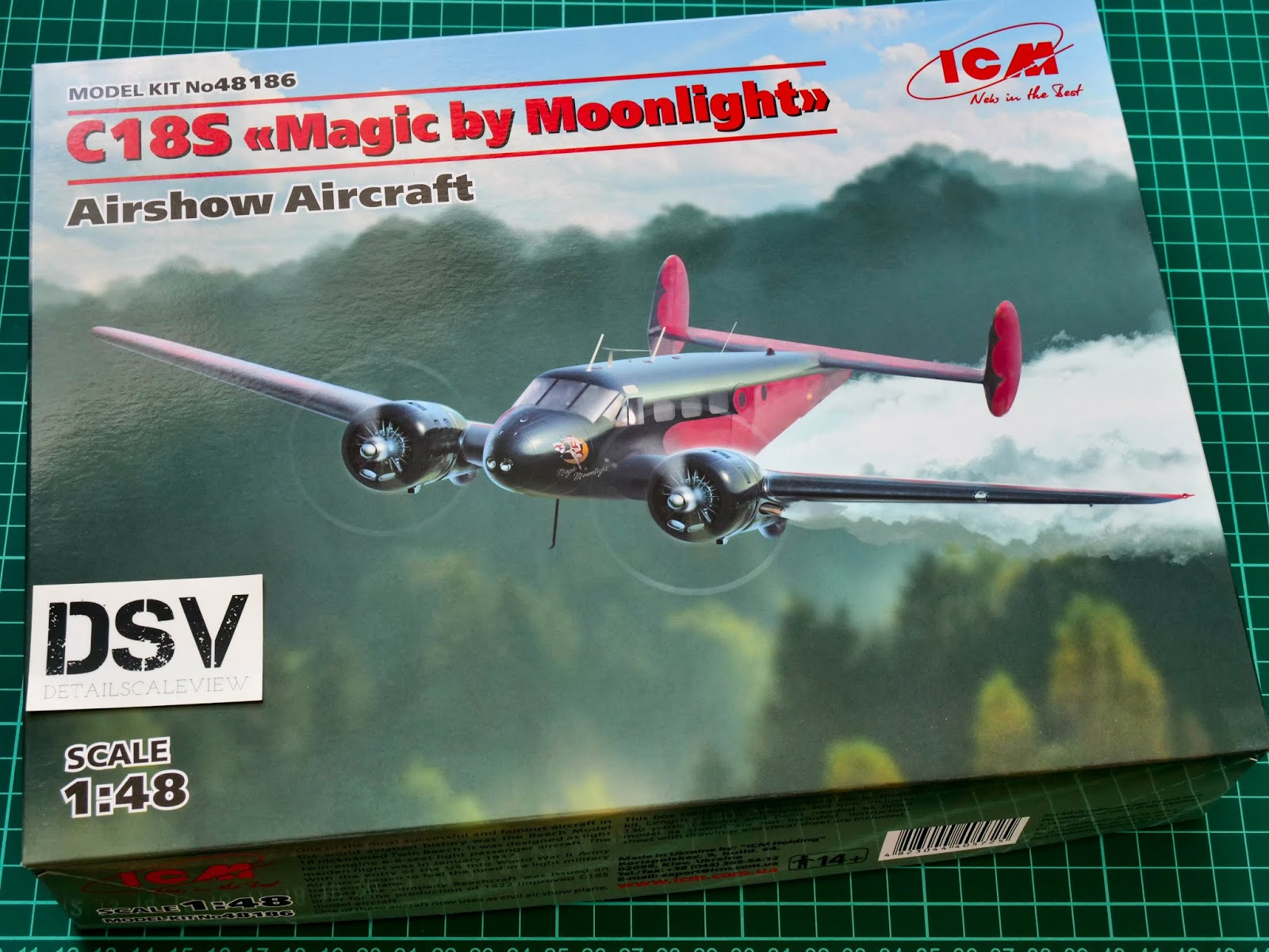 "ICM 48186 C18S /""Magic by Moonlight/"" American Airshow Aircraft model kit 1//48"