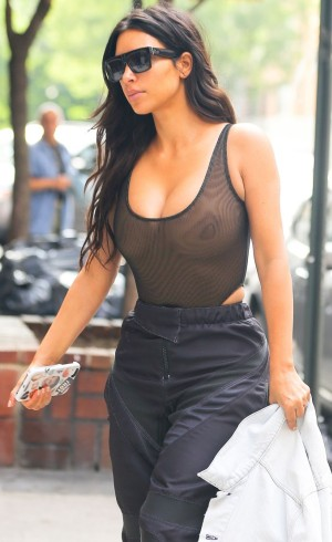 Once again!!! Kim Kardashian exposes her massive boobs in recent photos (See photos)