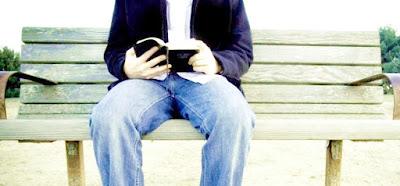 Como novo convertido lê a Bíblia?
