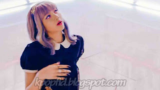 Foto Lisa Black PInk di MV Whistle