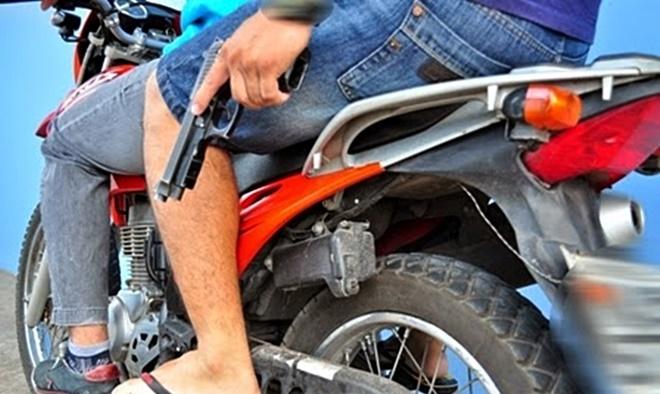 Duas motos são tomadas de assalto no Povoado de Olhos D'Água em Morro do Chapéu