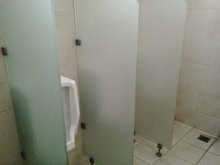stiker kaca toilet