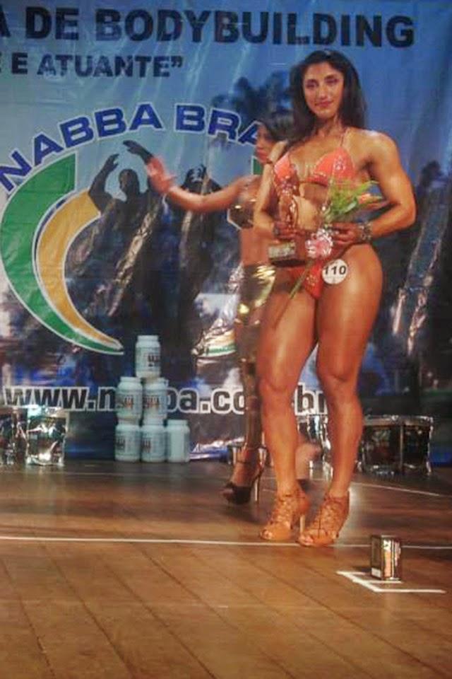 Sandra Coimbra conquista terceiro lugar na categoria Miss Toned do Campeonato Mineirão de Bodybuilding 2015. Foto: FMBB
