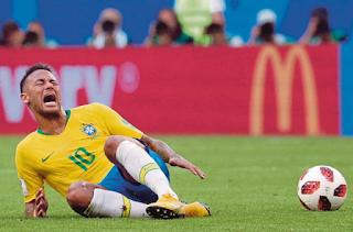 Neymar 'badut' bola