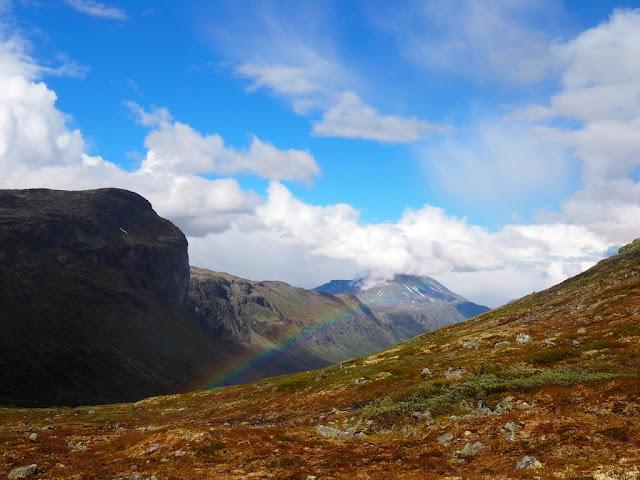 Kýč, jezero Gjende, hory, Norsko, Jotunheimen, nádhera