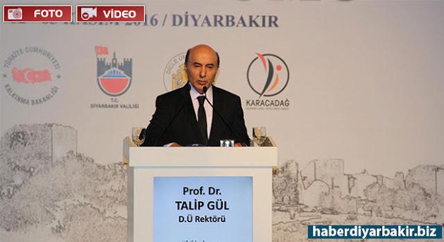 DİYARBAKIR-Uluslararası Diyarbakır Sempozyumunun ilk oturumu Dicle Üniversitesi kongre merkezinde yapıldı.