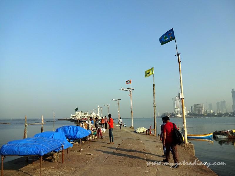 Haji Ali Dargah causeway, Mumbai