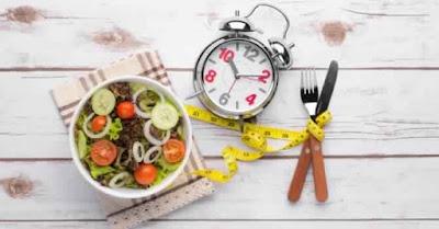 Et si l'on dînait plus tôt pour perdre du poids ?