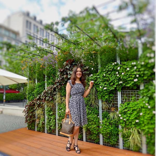 Style: Monochromes Sommerkleid