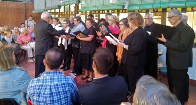 Esguard de Dona - Coral Preludi, cantant l'Himne d'Europa amb lletra de Joan Maragall