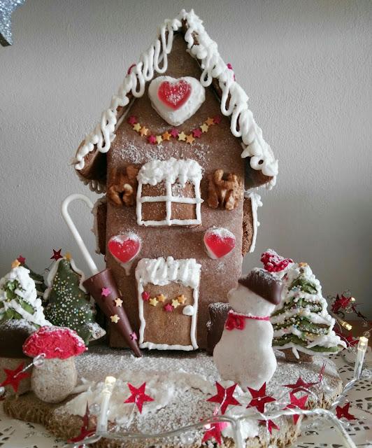 Weihnachtsbastelei Lebkuchenhaus
