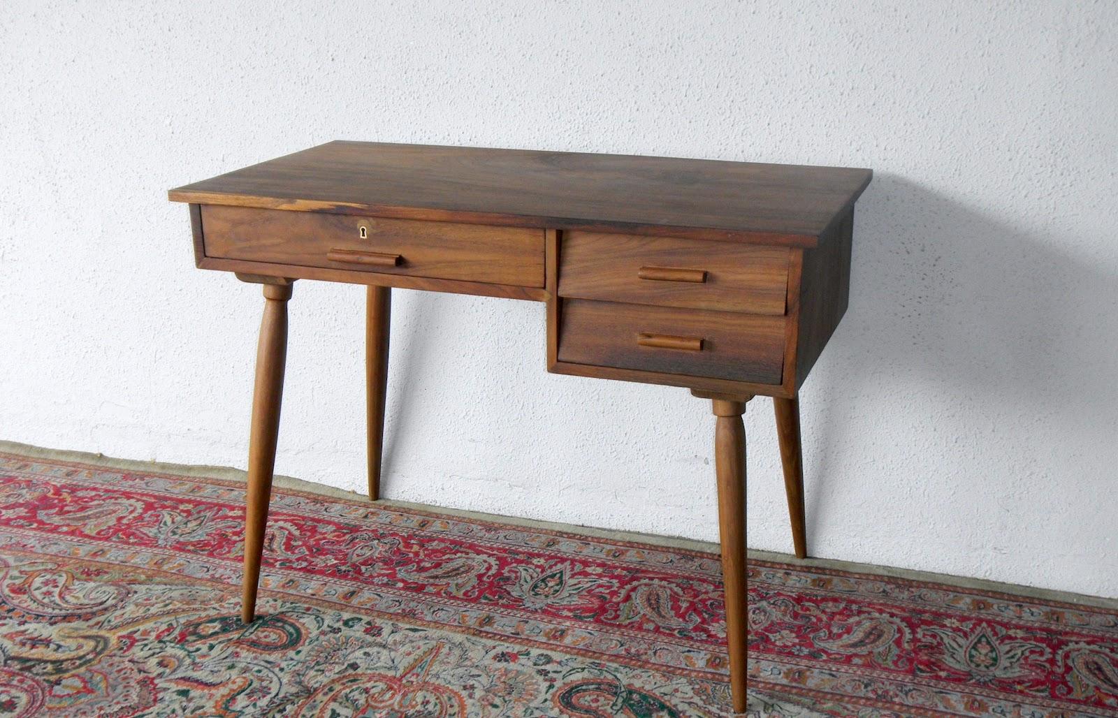 BUAT TESTING DOANG: Ashley Furniture Mid Century Modern