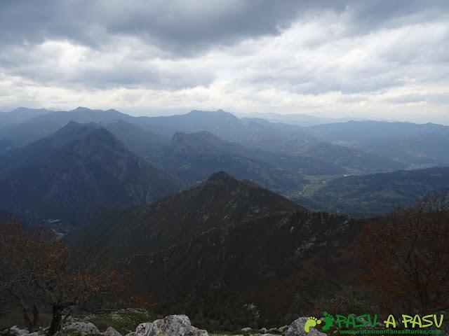 Valle del Nalón desde la Xamoca