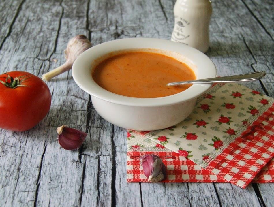 Zupa pomidorowa z mleczkiem kokosowym i kaszą jaglaną