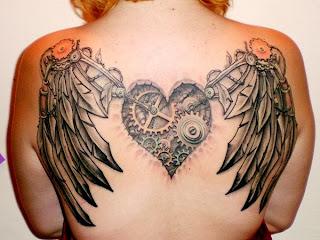 siivet selässä tatuointi