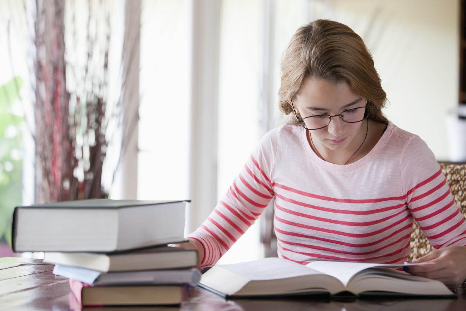 mainan pengganti gadget dan baca buku menjadi penghilang kebiasaan buruk