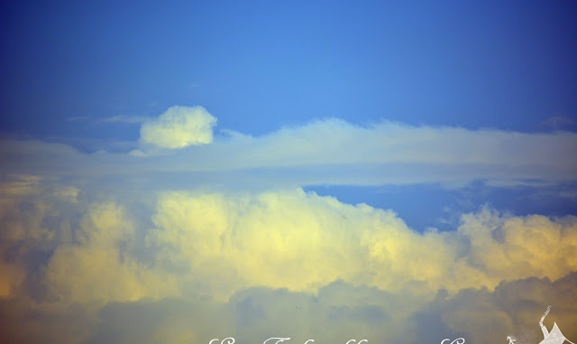 Regen - oder Wasser fällt vom Himmel