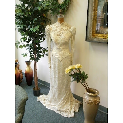Vintage Wedding Dress - Patti's Petals - Bethlehem, PA | Taste As You Go