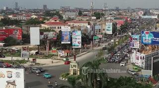 BAPENDA Pekanbaru Menyatakan, Reklame Di Sekitar Mall SKA Pekanbaru...
