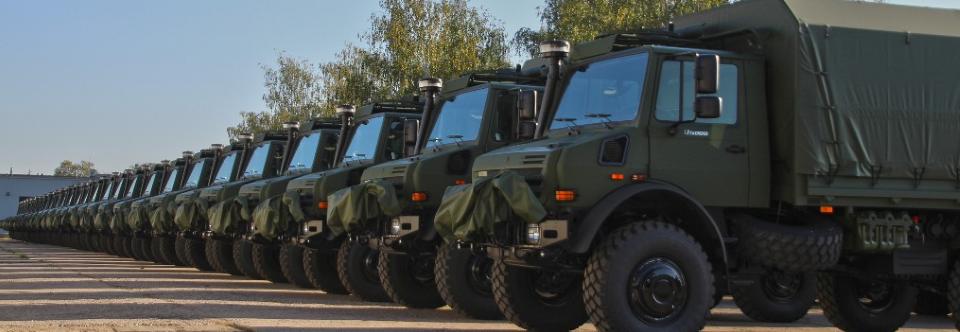 Литовська армія отримала 110 легких вантажівок Unimog