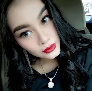 Gita Youbi Selfie