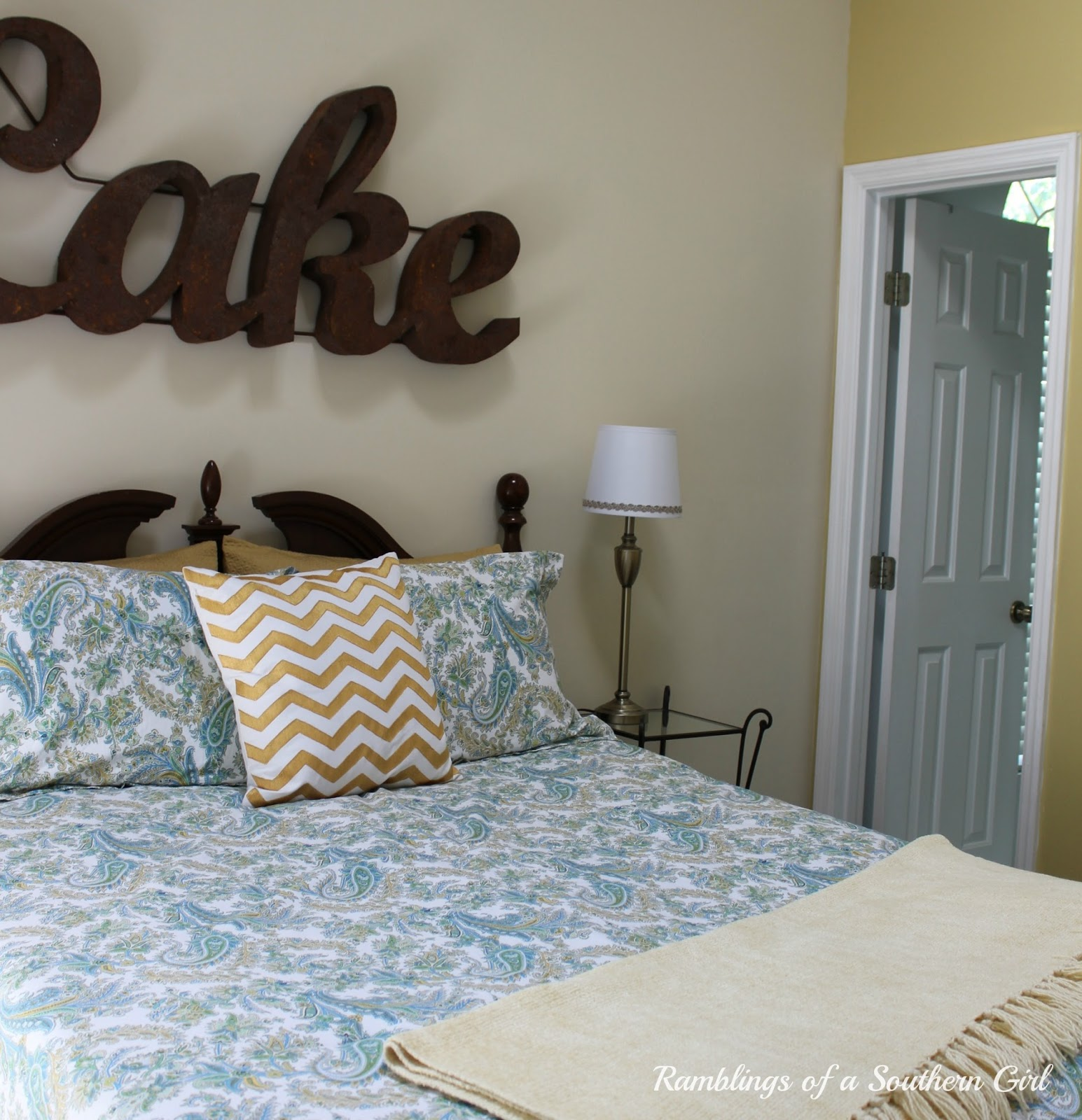 Southern Bedroom Ramblings Of A Southern Girl On Lake Time A Quick Bedroom Makeover