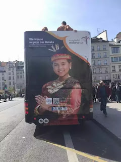 Bus Open Tour Wonderful Indonesia di Paris Prancis3