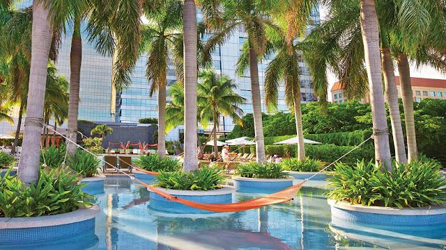 Four Seasons Hotel Miami