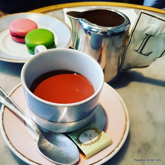 Chocolate quente da confeitaria francesa Ladurée, Nova York