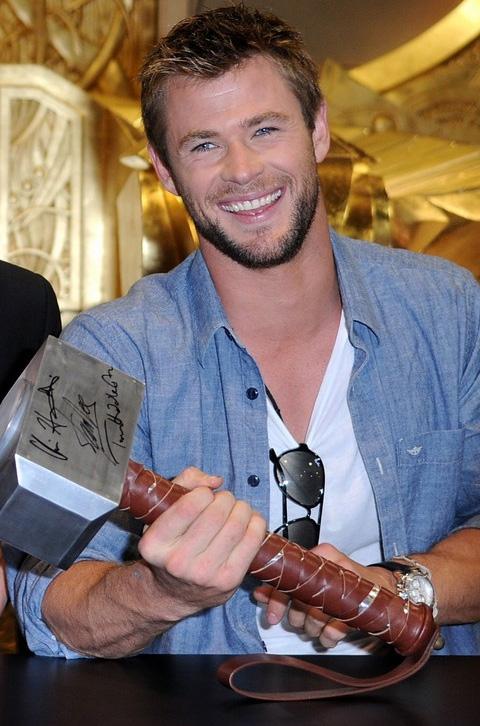 Chris Hemsworth Teases 'The Avengers'