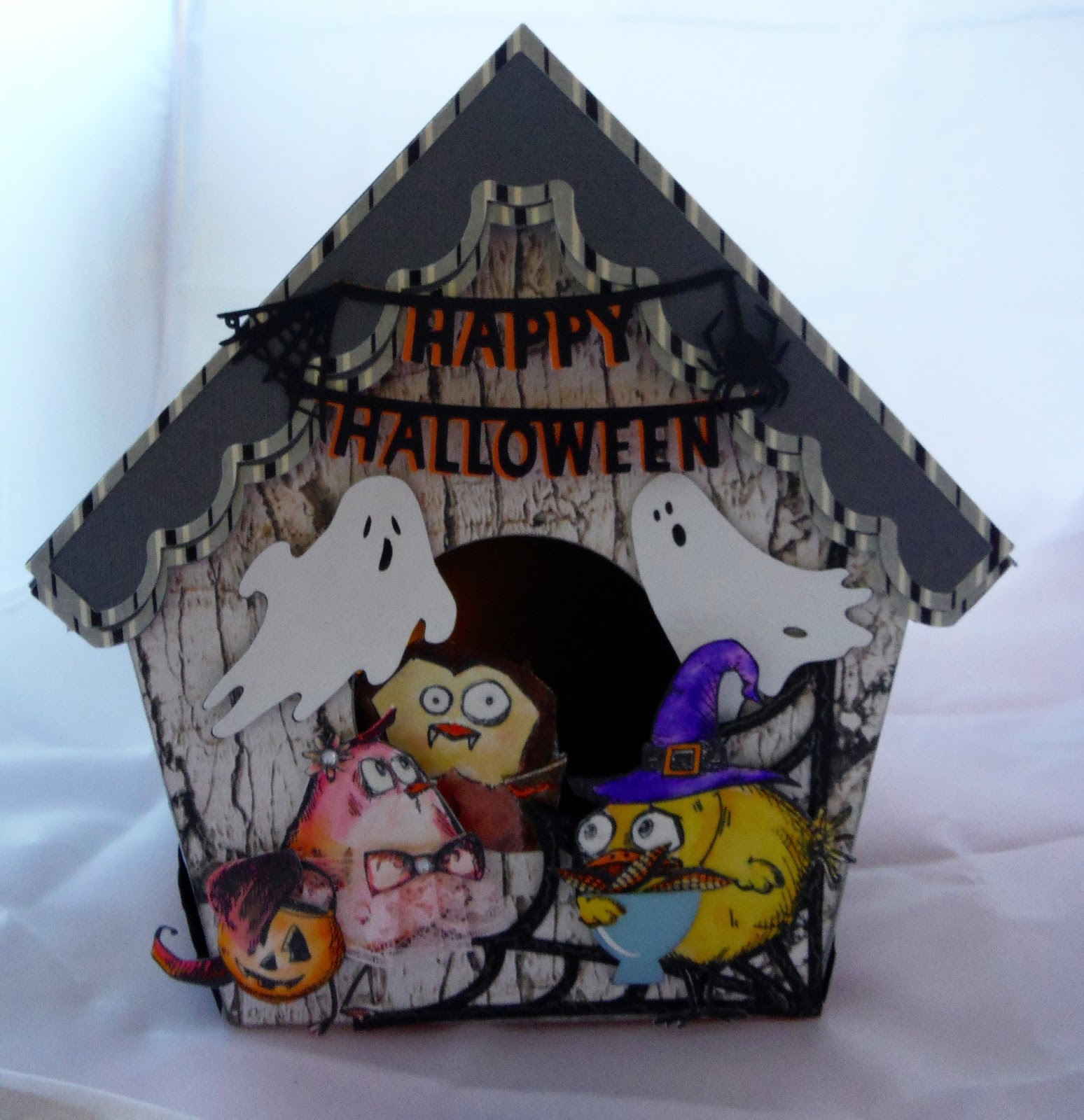 Crazy Halloween Decorations: She's A Sassy Lady: Bird Crazy Halloween Birdhouse