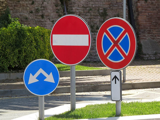 Family of road signs, Livorno
