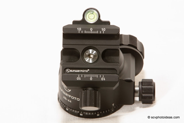 Sunwayfoto XB-44 Quick Release clamp tilted-top