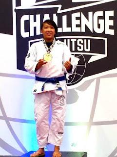 """Registrense Kaori fatura Ouro no """"São Paulo Challenge Jiu Jitsu"""""""