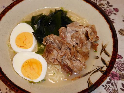 【株式会社ヒガシマル】博多とんこつ亭 細麺