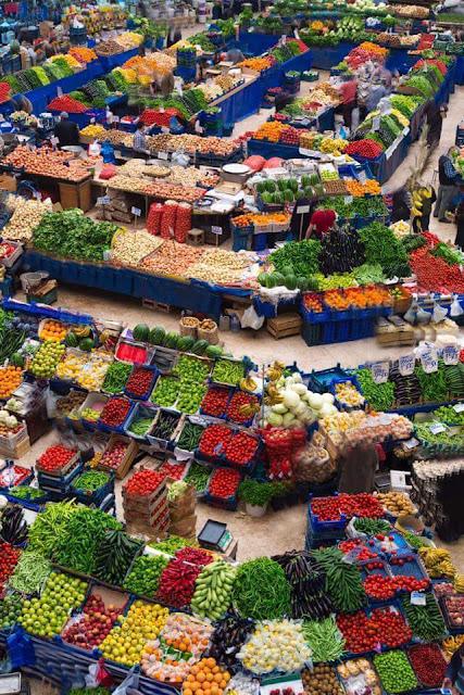 سوق خضار ياباني
