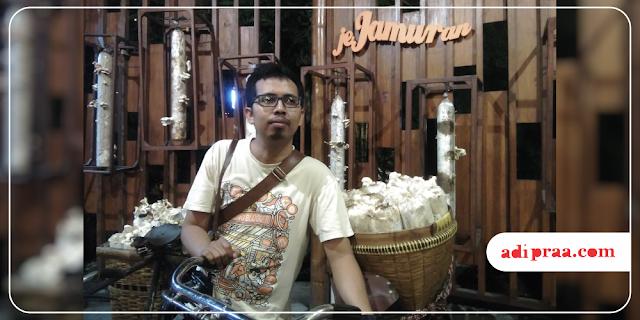 Selfie di Jejamuran Resto | adipraa.com