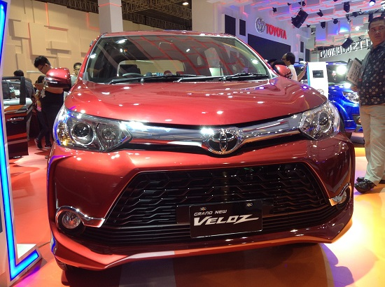 Grand New Veloz warna merah 2016