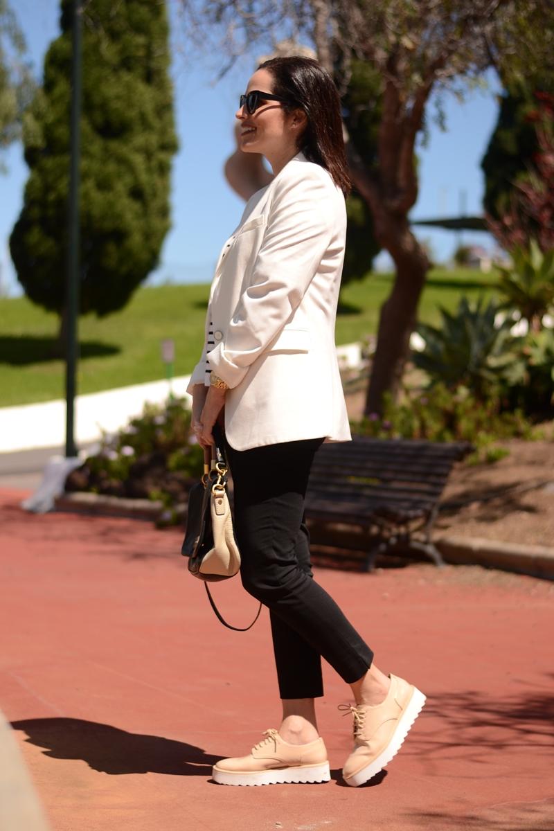 navy-white-blazer-zara-bluchers-outfit-street-style