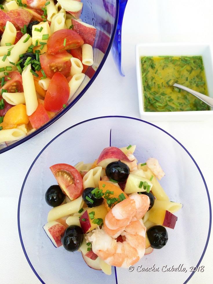 ensalada-pasta-fruta-langostinos