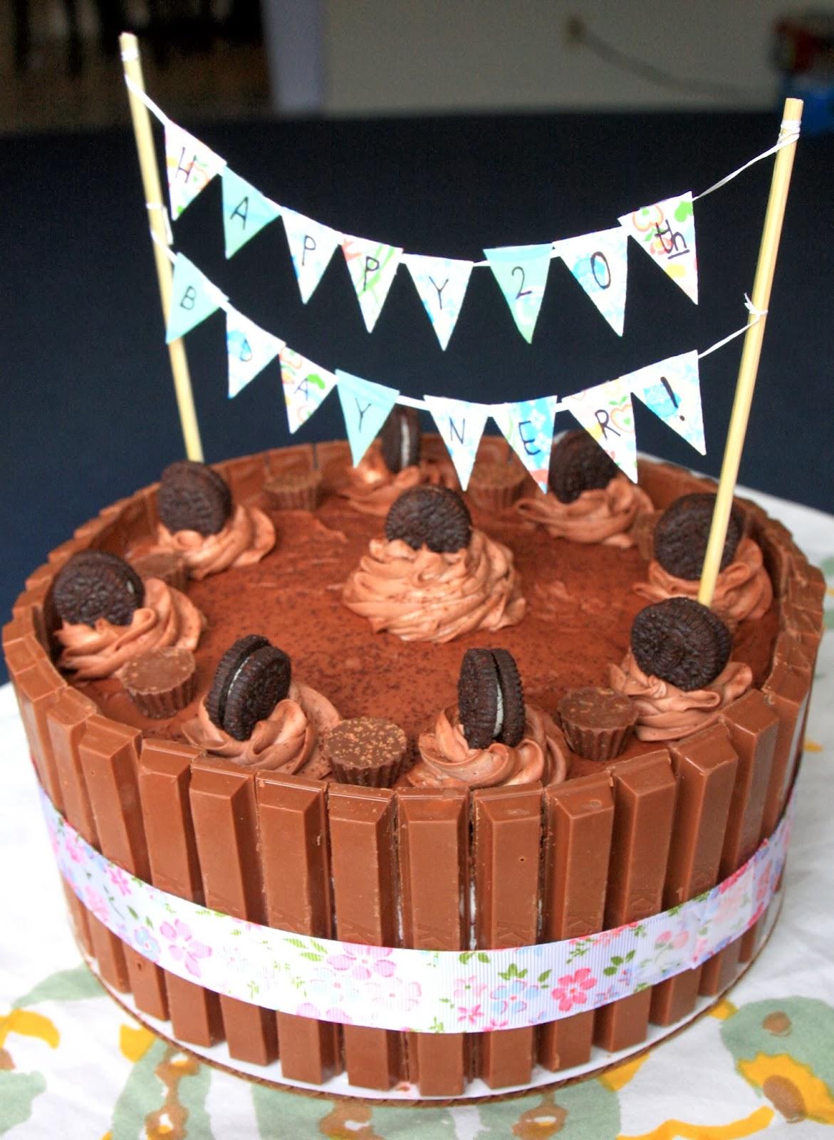 Dr Sweet Tooth Kit Kat Red Velvet Oreo Madness Cake
