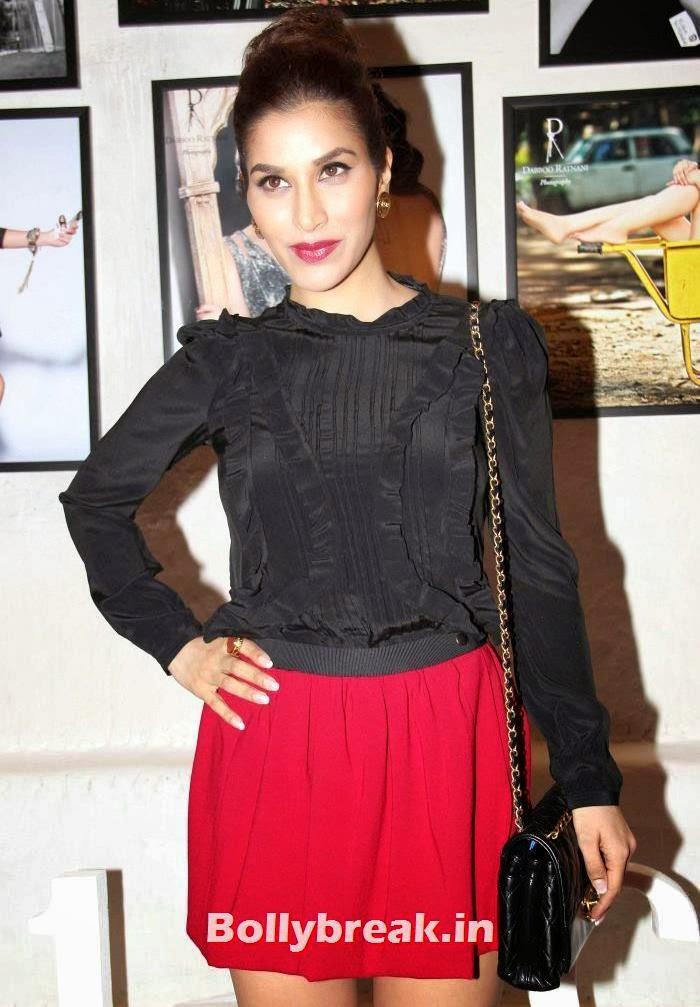 Sophie Choudry, Dabboo Ratnani's 2014 Calendar Launch Pics