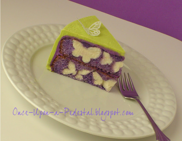 surprise-inside-cake-butterflies-wafer-paper-free-tutorial-deborah-stauch