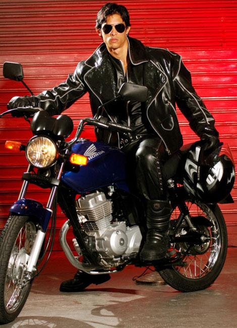 Tony Fernandes Gay 89