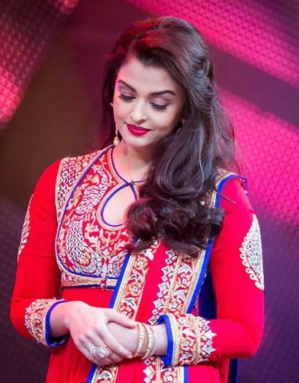 Actress Celebrities Photos: Aishwarya Rai - in Anarkali