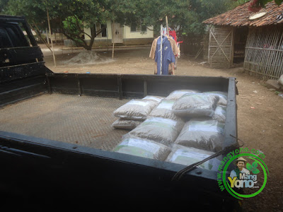 FOTO 3 : Dedi Kusriadi Subang, Jabar  Pembeli Benih Padi TRISAKTI 75 HST Panen  sebanyak 75 Kg atau 15 Bungkus dan NAZWA 80 HST Panen sebanyak 25 Kg atau 5 Bungkus