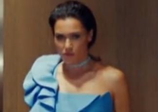 Yasak Elma Dizisi 19 Kasım Ender'in Giydiği Elbise